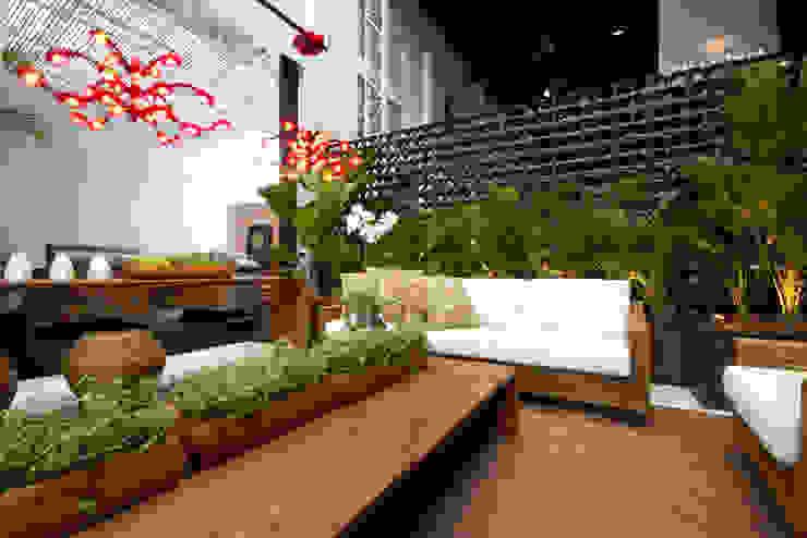 Projeto 1 Monica Rio Verde Paisagismo Varandas, alpendres e terraços modernos