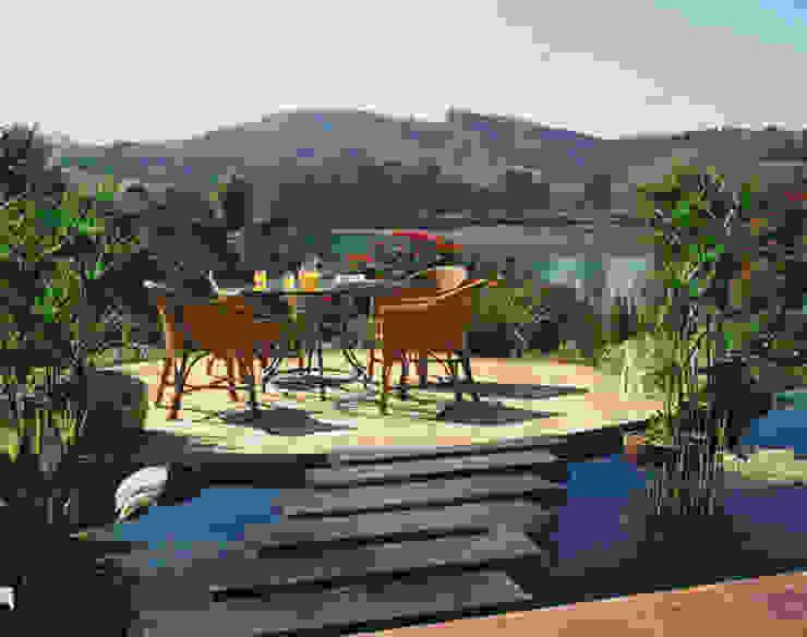 Jardines de estilo rústico de Eduardo Luppi Paisagismo Ltda. Rústico