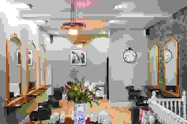 Shoreditch Hair Salon オリジナルな商業空間 の SWM Interiors & Sourcing Ltd オリジナル