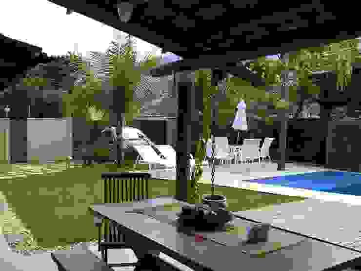 Metamorfose Arquitetura e Urbanismo Tropical style garden