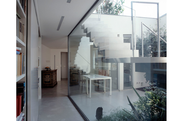 Entrance Modern Windows and Doors by 8&A Architetti Modern