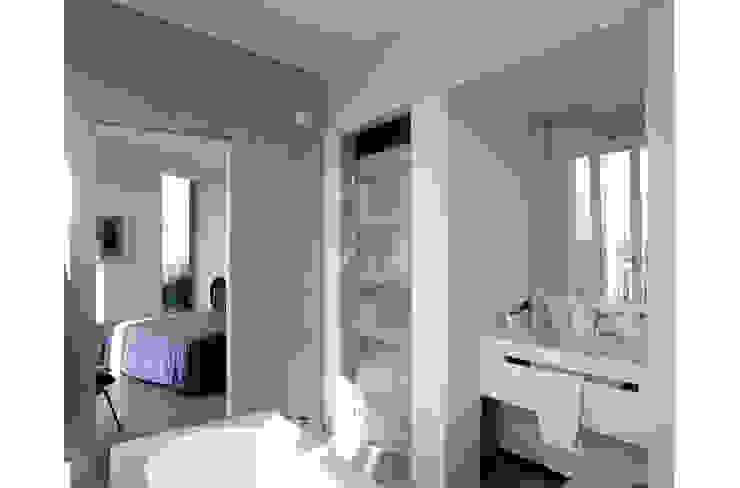 Bathroom Modern Bathroom by 8&A Architetti Modern