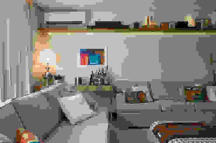 SALA DE TV 04 por Lembi Arquitetura