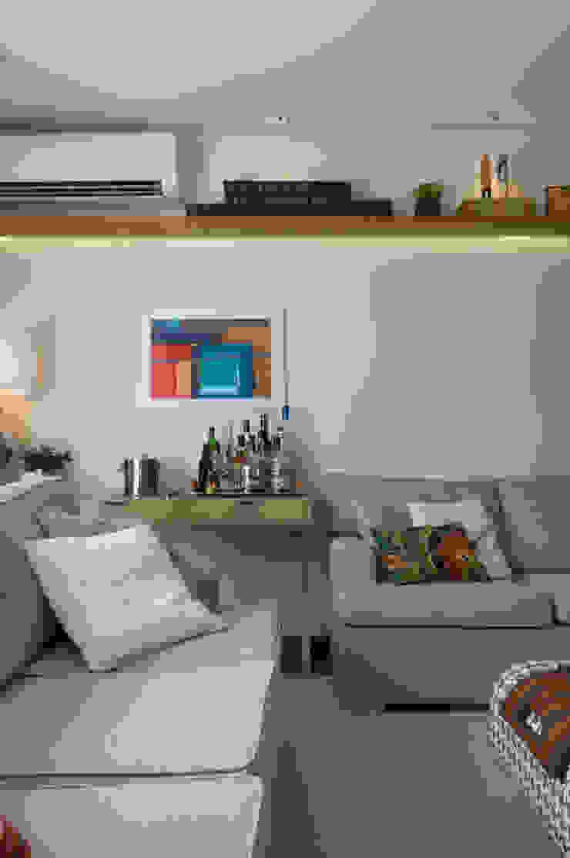 SALA DE TV por Lembi Arquitetura