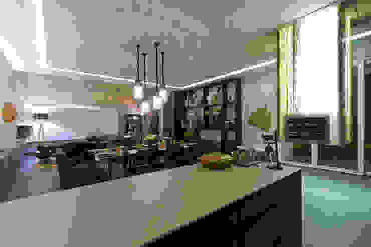 Living Gourmet Salas de jantar modernas por RABAIOLI I FREITAS Moderno