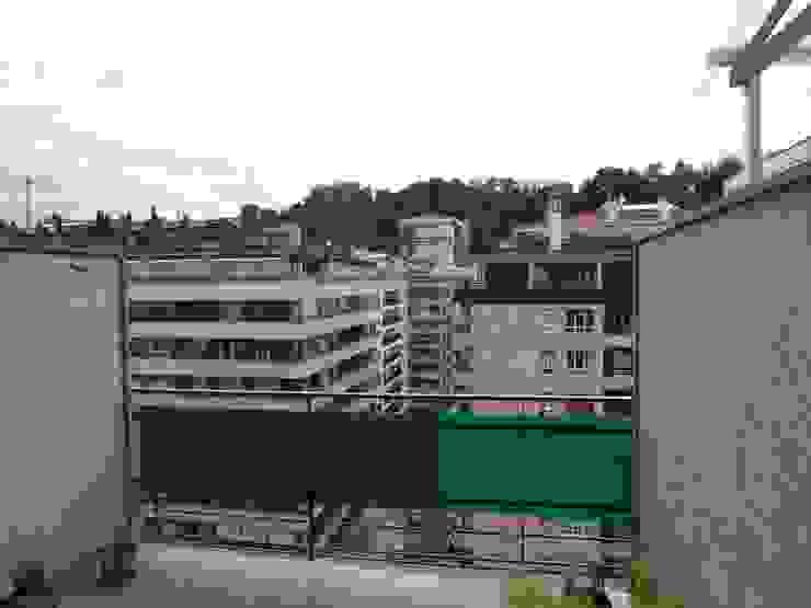 TERRAZA ANTES DE REFORMAR Balcones y terrazas de estilo clásico de ERRASTI Clásico