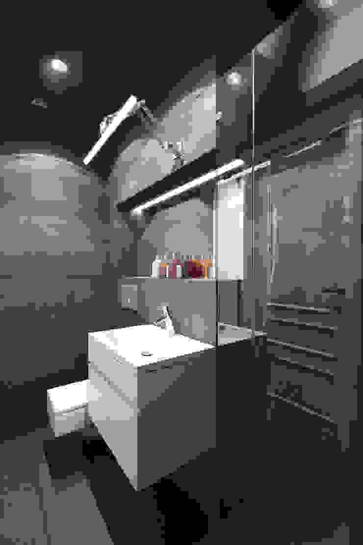 Mieszkanie w centrum Wrocławia Nowoczesna łazienka od COOLDESIGN Nowoczesny