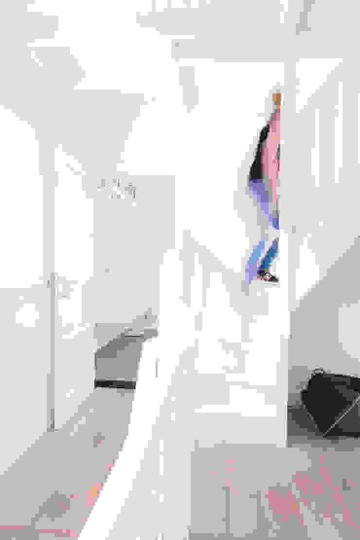 Woonhuis Laren Moderne gangen, hallen & trappenhuizen van ontwerpplek, interieurarchitectuur Modern