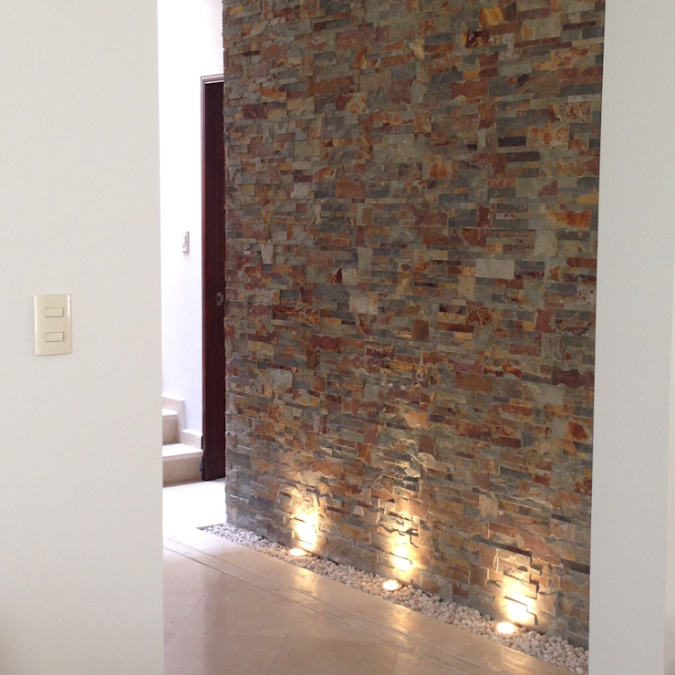 VESTIBULO TERMINADO : Pasillos y recibidores de estilo  por Alejandra Zavala P., Moderno