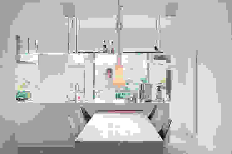 Modern kitchen by ontwerpplek, interieurarchitectuur Modern