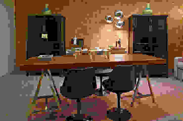 Oficinas de estilo  por Gláucia Britto