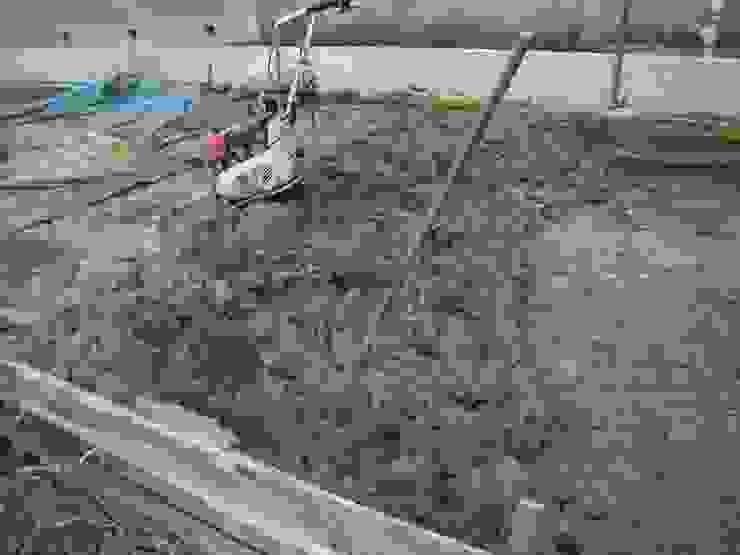 土を寝かす 和風スタイルの 壁&フローリングデザイン の 中村茂史一級建築士事務所 和風