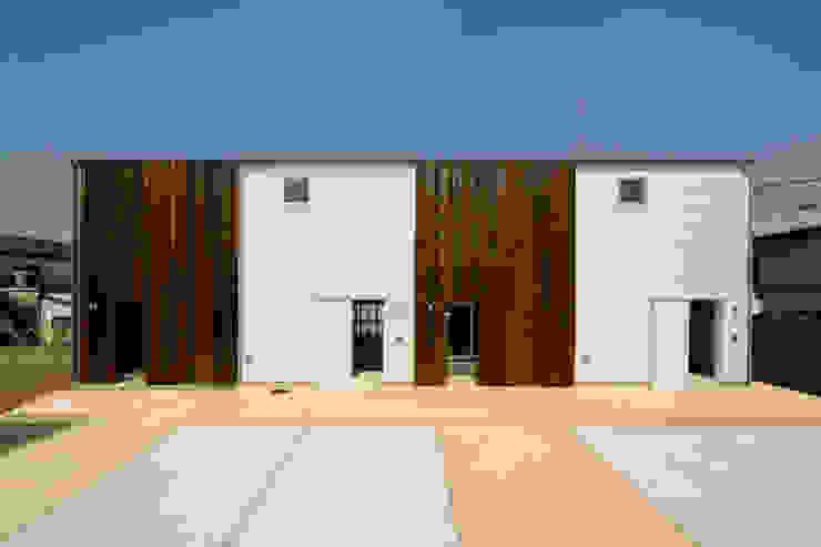 Maisons modernes par 一級建築士事務所 感共ラボの森 Moderne