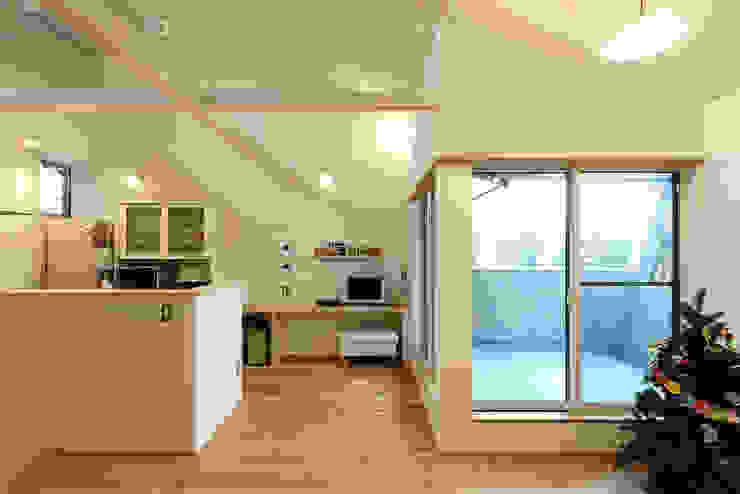 そらまどのいえ LDK モダンデザインの ダイニング の 一級建築士事務所 感共ラボの森 モダン