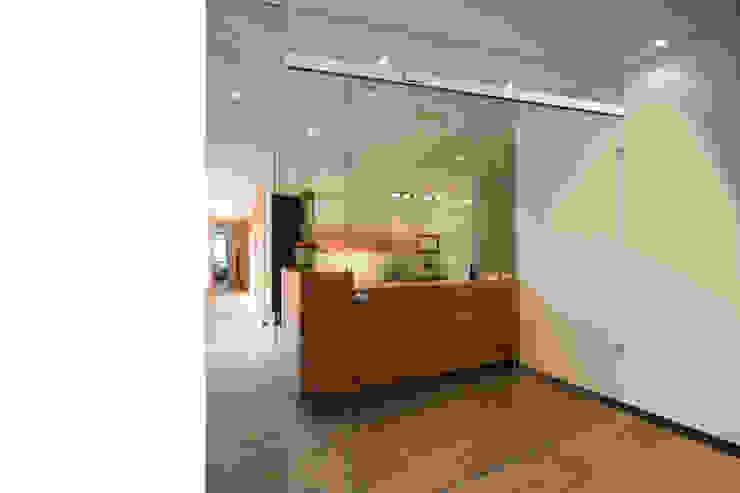 Locaux commerciaux & Magasin modernes par Buys Glas Moderne