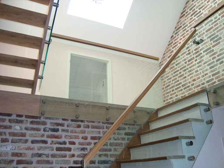 Country style corridor, hallway & stairs by Buys Glas Country