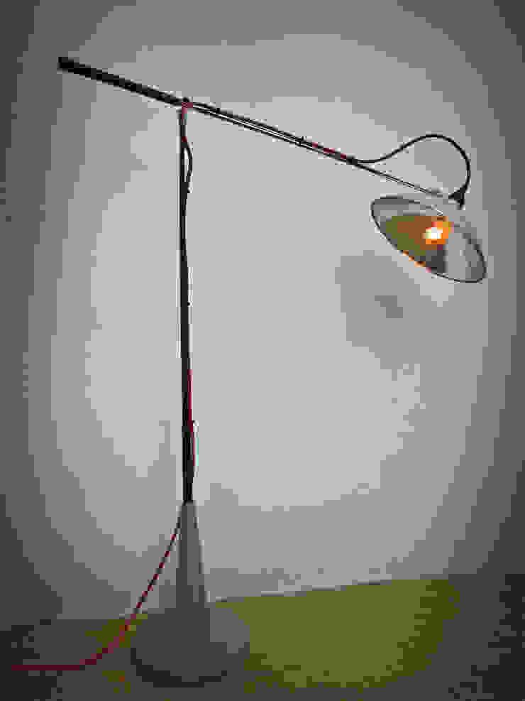 Lámpara Golf.:  de estilo industrial por Habanero Mobiliario, Industrial