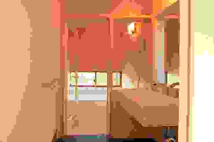 浴室: 設計島建築事務所が手掛けた浴室です。,オリジナル