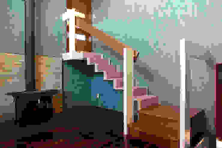 tbt house オリジナルスタイルの 玄関&廊下&階段 の BANKnote オリジナル