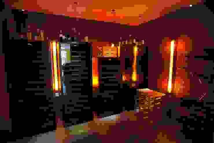Hầm rượu phong cách kinh điển bởi LEWISA home Kinh điển