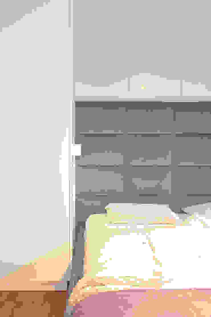 Mieszkanie 56 m² w Ząbkach pod Warszawą / Sypialnia Nowoczesna sypialnia od Sceneria Nowoczesny