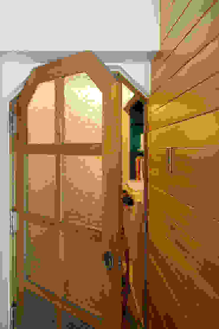 K邸 2010 モダンな 窓&ドア の ELD INTERIOR PRODUCTS モダン