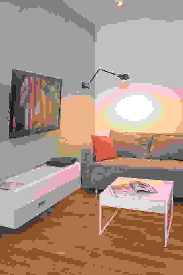 Mieszkanie 56 m² w Ząbkach pod Warszawą / Salon Nowoczesny salon od Sceneria Nowoczesny