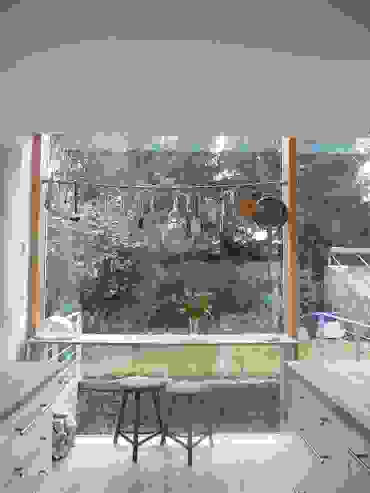 Cocinas de estilo moderno de waldorfplan architekten Moderno