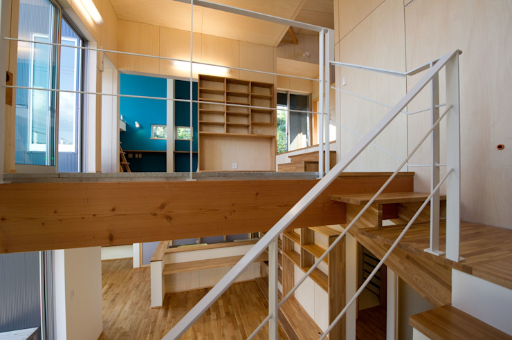 m+h建築設計スタジオ Modern Corridor, Hallway and Staircase