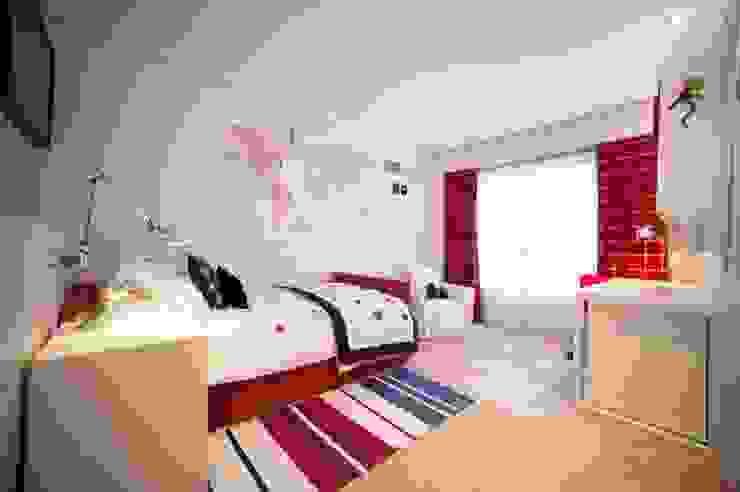 Sube Susaeta Interiorismo - Sube Contract diseño interior de casa con gran cocina Sube Susaeta Interiorismo Dormitorios infantiles de estilo clásico