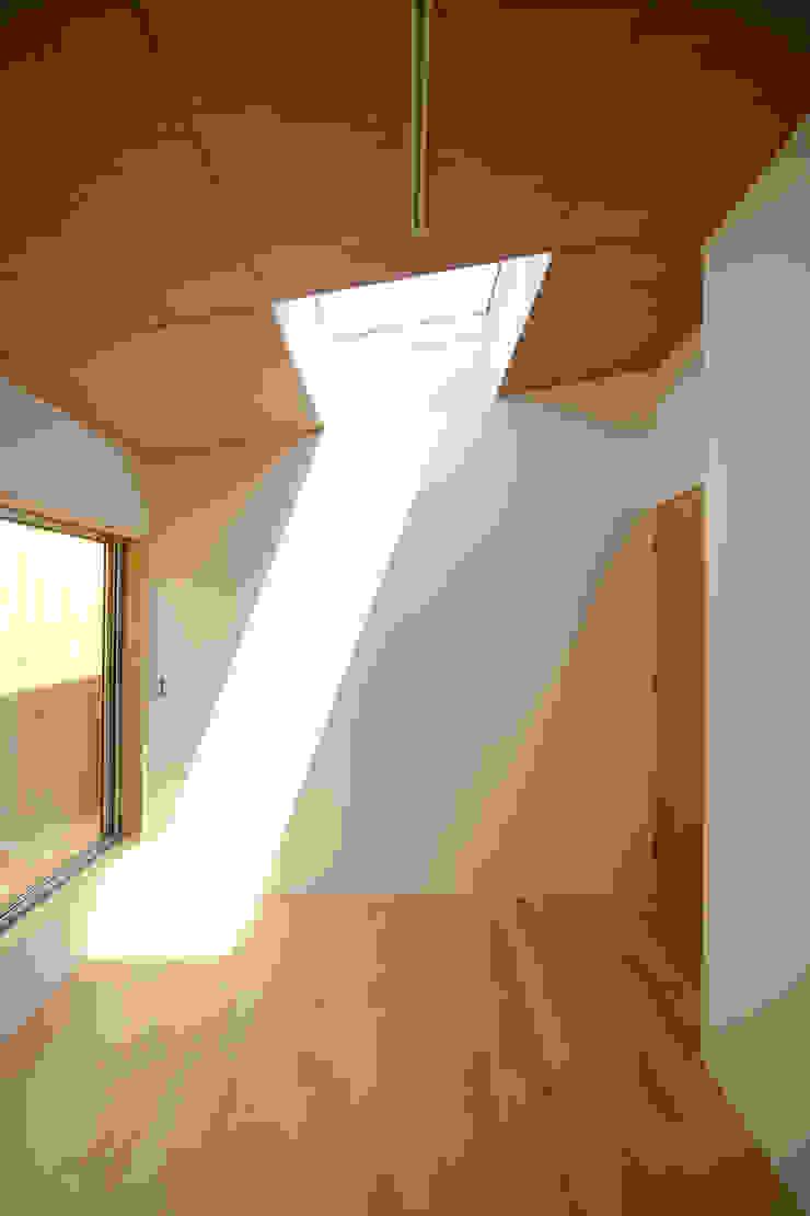 個室−1 ミニマルスタイルの 寝室 の 有限会社クリエデザイン/CRÉER DESIGN Ltd. ミニマル