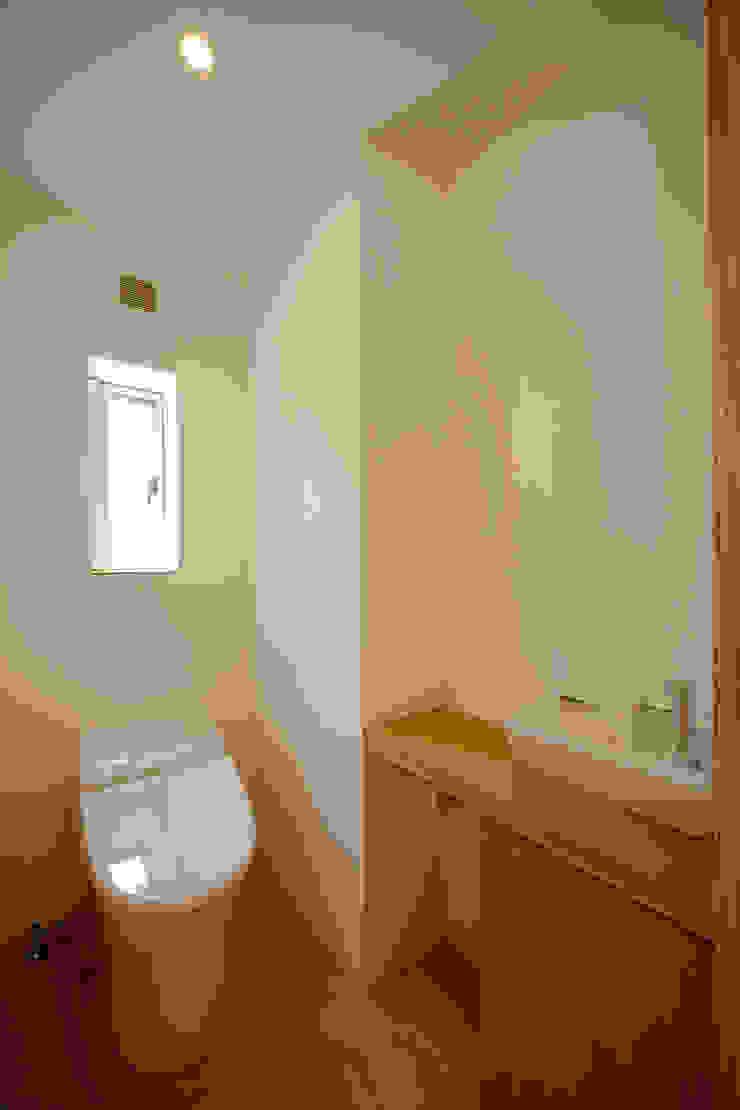 2階トイレ ミニマルスタイルの お風呂・バスルーム の 有限会社クリエデザイン/CRÉER DESIGN Ltd. ミニマル