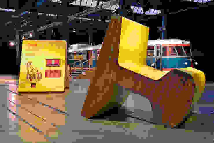 Pro Rail:  Exhibitieruimten door thisisjane,