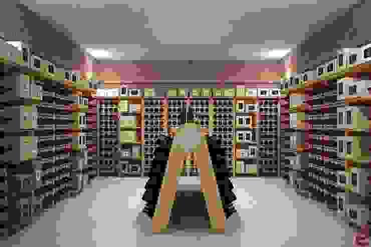Wine cellar furniture - Classic Champagne Version by Esigo SRL Classic Solid Wood Multicolored