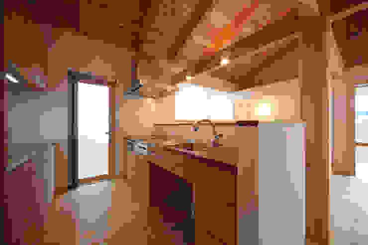 キッチン: 青木昌則建築研究所が手掛けたキッチンです。,和風