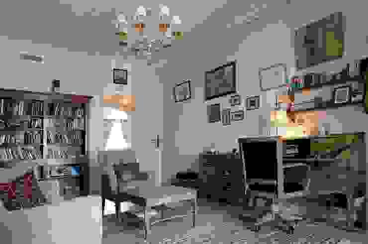 Светлая квартира Рабочий кабинет в классическом стиле от ANIMA Классический