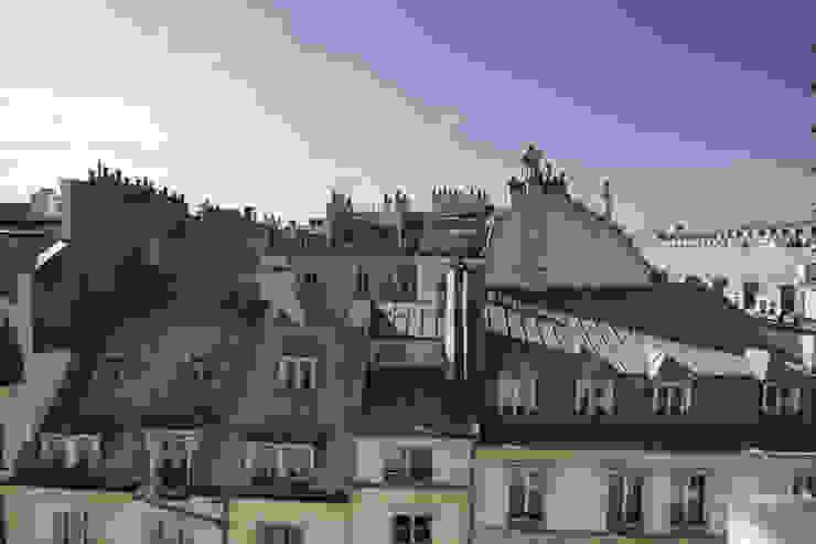 rue de rivoli 75001 PARIS Maisons modernes par cristina velani Moderne