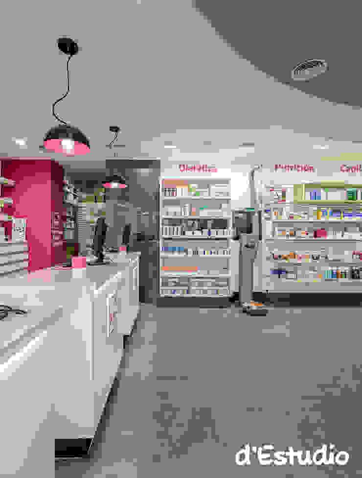 Farmacia Mayor Xirivella | Mostradores y Báscula Espacios comerciales de estilo moderno de Destudio Arquitectura Moderno