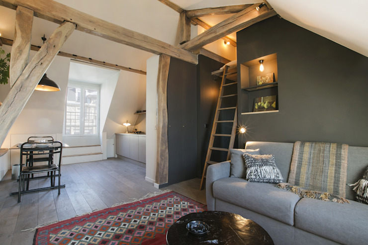 斯堪的納維亞風格的走廊,走廊和樓梯 根據 cristina velani 北歐風