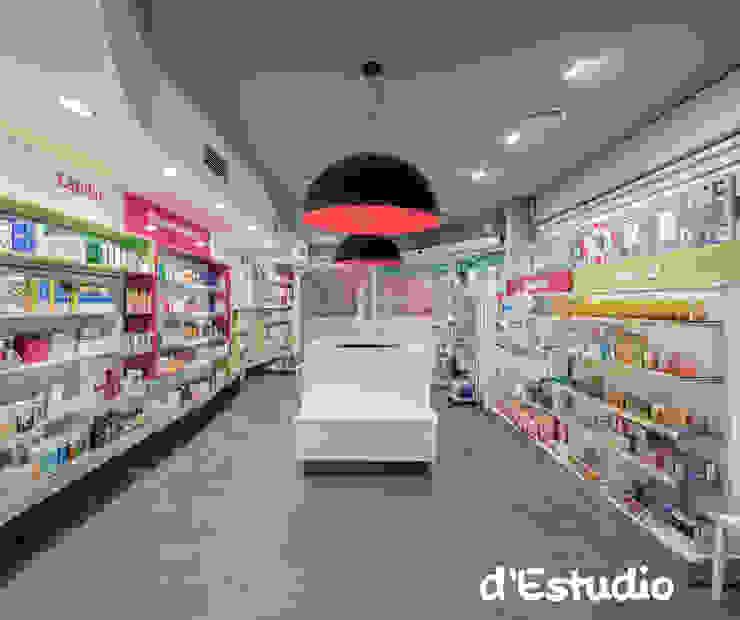 Farmacia Mayor Xirivella | Isla Central Espacios comerciales de estilo moderno de Destudio Arquitectura Moderno