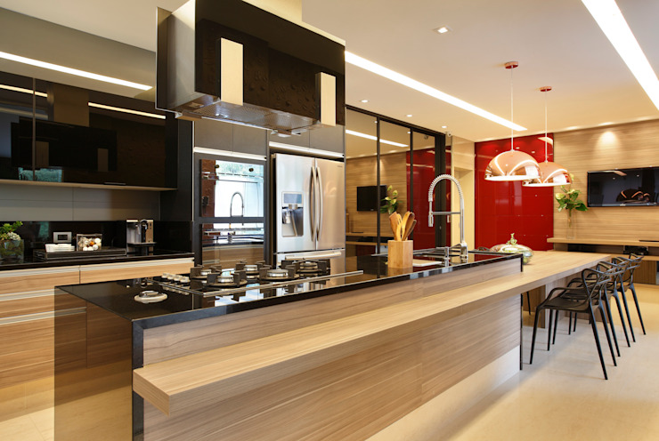 Modern kitchen by Arquitetura e Interior Modern
