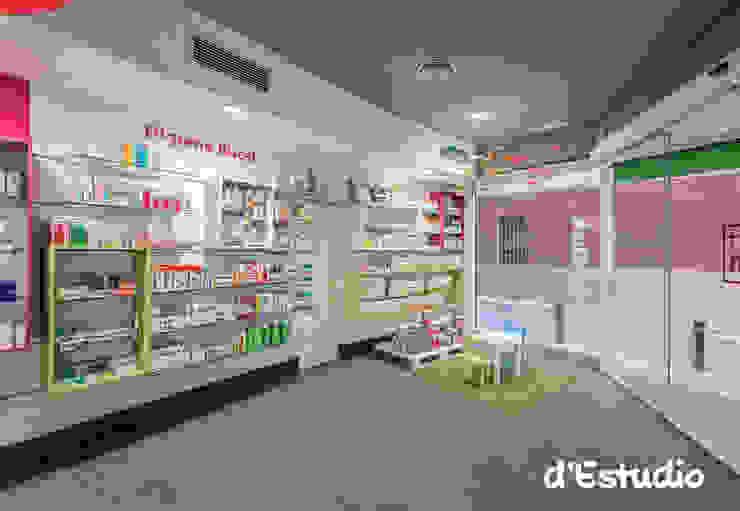 Farmacia Mayor Xirivella | Zona Infantil Espacios comerciales de estilo moderno de Destudio Arquitectura Moderno