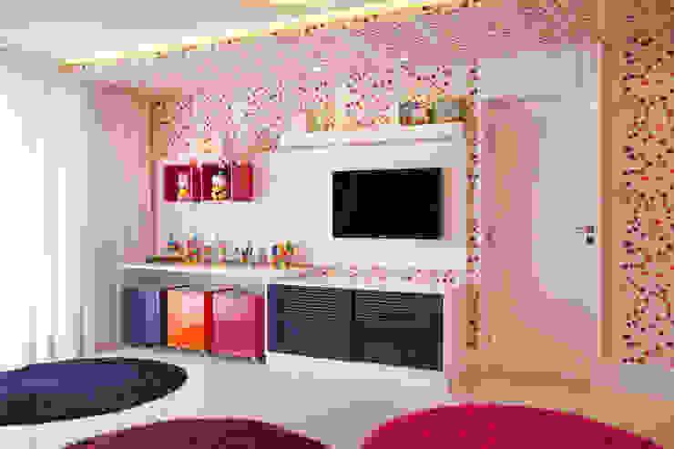 Quarto infantil Quarto infantil moderno por Studio Claudia Pimenta e Patricia Franco Decoração de Interiores Moderno