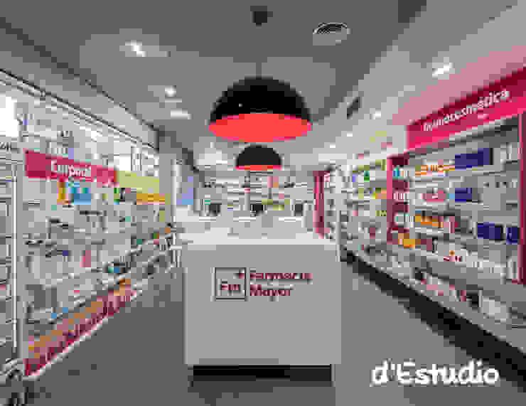 Farmacia Mayor Xirivella | Vista General y Diseño Gráfico Espacios comerciales de estilo moderno de Destudio Arquitectura Moderno