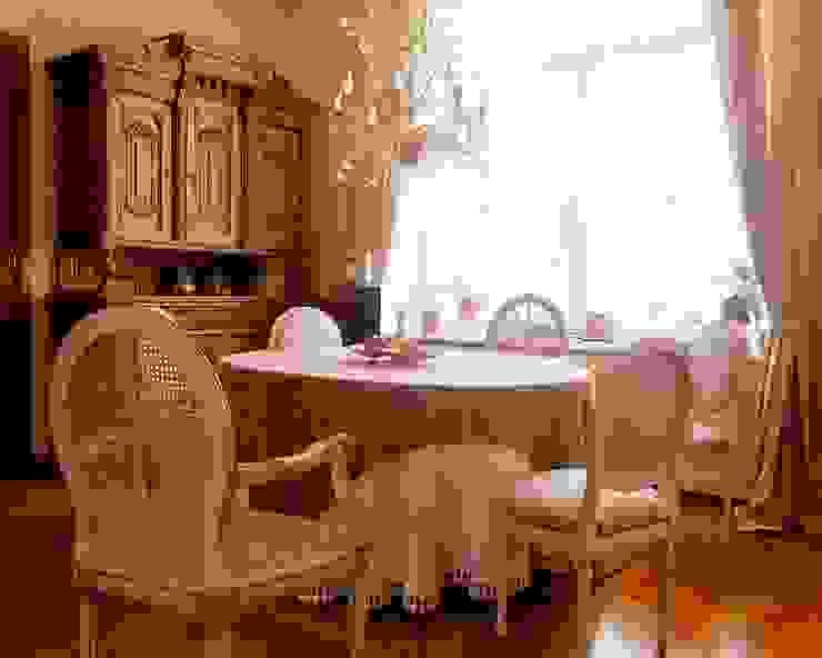 Квартира на Патриарших Столовая комната в классическом стиле от ANIMA Классический