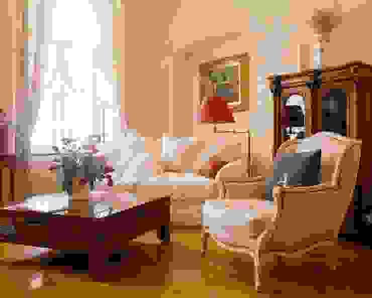Квартира на Патриарших Гостиная в классическом стиле от ANIMA Классический