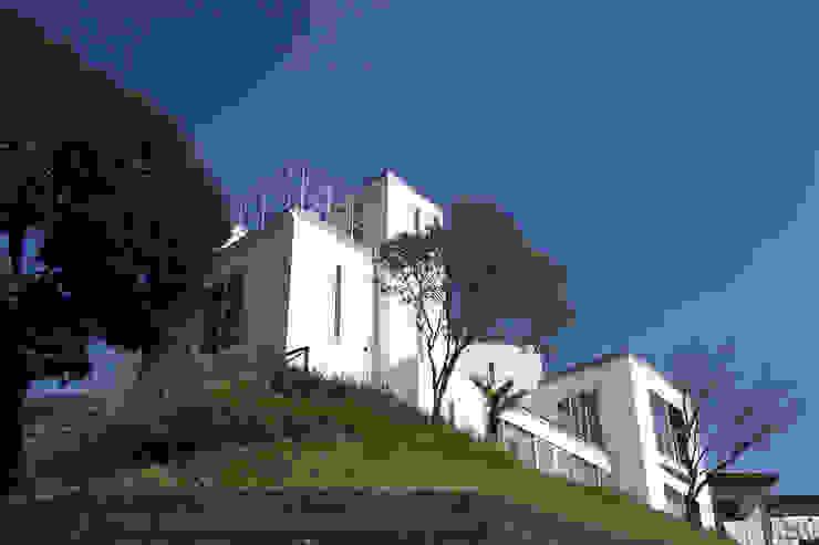 外観 モダンな 家 の (有)設計工房TOGAWA モダン