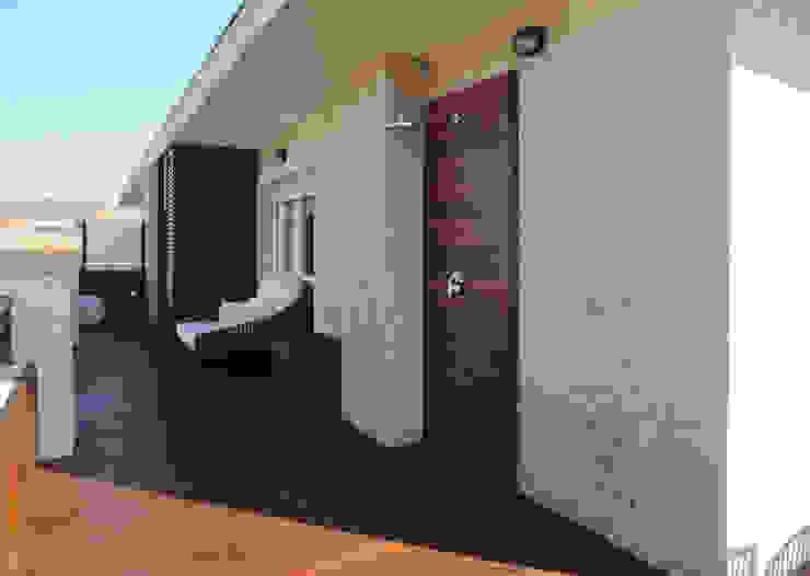 Sube Susaeta Interiorismo y Sube Contract diseño interior de casa con terraza Balcones y terrazas de estilo moderno de Sube Susaeta Interiorismo Moderno