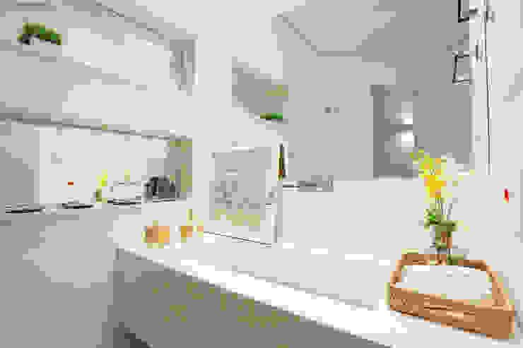 Lavabo Banheiros minimalistas por Mayra Lopes Arquitetura | Interiores Minimalista