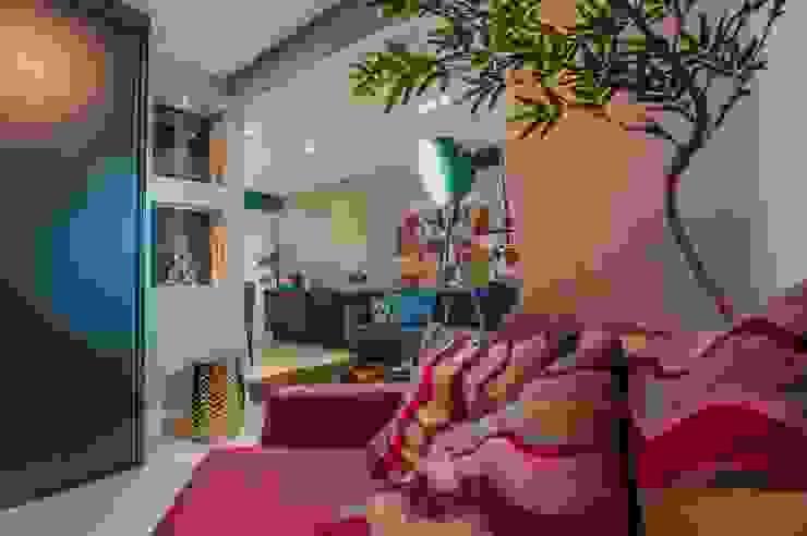 Condomínio Portal de Barcelos : Salas multimídia  por Lo. interiores